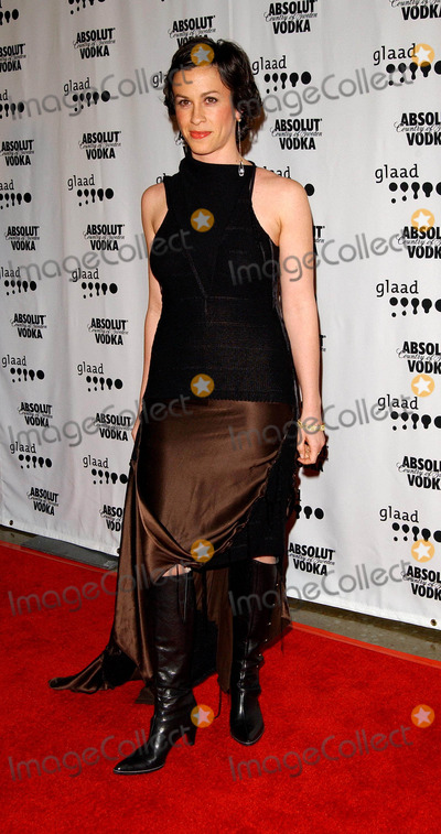Alanis Morisette Photo - 15th Annual Glaad Media Awards Arrivals at the Kodak Theatre in Hollywood, CA. 03/27/2004 Photo by Fitzroy Barrett/Globe Photos Inc. 2004 Alanis Morisette