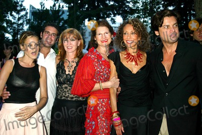 Andrew Cohen, Marisa Berenson, Nicole Miller, Robert Wilson, Sarah Jessica Parker, Byrds, The Byrds, Group Shot, SARAH JESSICA-PARKER Photo - K32116SMO.  SD08/02/2003.