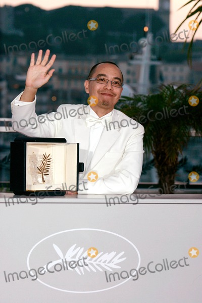 Apichatpong Weerasethakul Photo - Apichatpong Weerasethakul Golden Palm (Best Film) Palme D'or Award Ceremony Photo Call at Palais Des Festivals During 63rd Annual Cannes Film Festival in Cannes , France 05-23-2010 Photo by Roger Harvey - Globe Photos, Inc. 2010