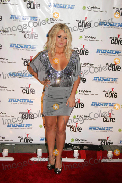 """Aubrey O'Day, The Stands Photo - The """"Stand Up For a Cure"""" Benefit Concert at Madison Square Garden in New York on 09-10-2008 Photo by Rick Mackler-rangefinder-Globe Photos, Inc. Aubrey O'day"""