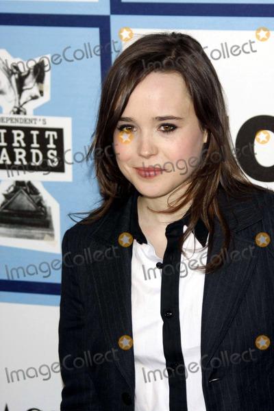 Ellen Page Photo - 2008 Film Independent Spirit Awards - Arrivals Santa Monica Pier, Santa Monica, CA. 02-23-2008 Photo by Alec Michael-Globe Photos, Inc. 2008 Ellen Page