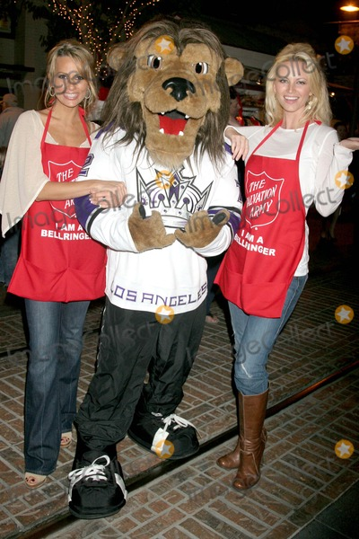 Aubrie Lemon, Johnny Grant, Patricia Kara Photo - Johnny Grant Honored at the Salvation Army's Annual Kettle Kick Off the Original Farmers Market, Los Angeles, CA 11/19/07 Patricia Kara, Bailey - Los Angeles Kings Mascot with Aubrie Lemon Photo: Clinton H. Wallace-photomundo-Globe Photos Inc