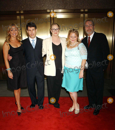 Chris Parnell, Jessica Capshaw, Martin Mull, Sharon Gless, AMY HALLORAN Photo - NBC Upfront Event Radio City Music Hall, New York City 5-16-2005 Photo by: Ken Babolcsay-ipol-Globe Photos Inc 2005 ( Thick and Thin Cast ) Sharon Gless, Jessica Capshaw, Martin Mull, Amy Halloran, and Chris Parnell