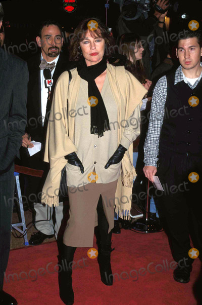 Jacqueline Bisset, Jackie Bisset, Will Hunt Photo - Good Will Hunting Premiere 12-2-1997 ( Jacqueline ) Jackie Bisset Photo By:geller-michelson-Globe Photos, Inc