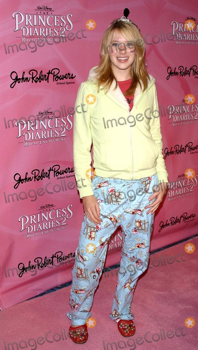 Annie Burgstede Photo - the Princess Diaries 2 Dvd Pajama Ball, Benefiting St. Jude Children's Research Hospital Beverly Hilton Hotel, B.h. CA. 12-08-2004 Photo by Milan Ryba/Globe Photos Inc.2004 Annie Burgstede
