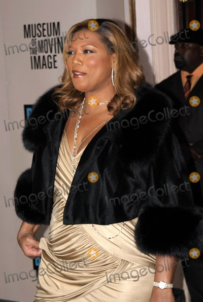 Latifah, Queen, Queen Latifah, Will Smith Photo - 03 December 2006 - New York, NY USA - Queen Latifah attends as the Museum of the Moving Image salutes Will Smith.  This being the Museum's, 22nd annual gala held in the Grand Ballroom of the Waldorf-Astoria, which will air on Bravo 01/12/07.  Photo Credit:  Anthony G. Moore/Globe Photos