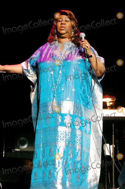 Aretha Franklin Photo - Aretha Franklin Performs in NYC to Benefit the Marfan Foundation the Hammerstein Ballroom, New York, NY Copyright 2006, John Krondes - Globe Photos. Photo by John Krondes Aretha Franklin