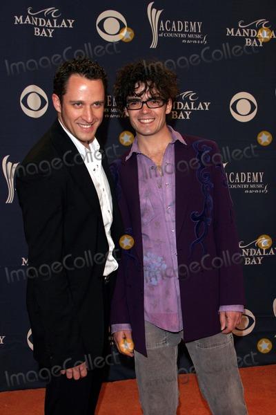 Hanna & McEuen Photo - Jaime Hanna and Jonathan Mceuen - 40th Academy of Country Music Awards - Arrivals - Mandalay Bay Casino,las Vegas, CA - 05-17-2005 - Photo by Nina Prommer/Globe Photos Inc2005 -
