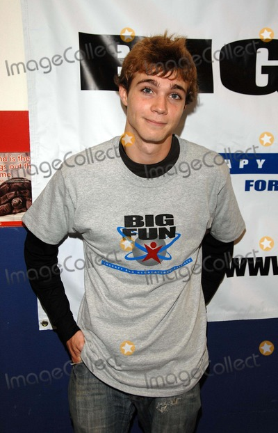Alex Black, Therapy? Photo - Child Stars Help Children Event Sponsored by Big Fun Therapy and Recreational Services at Josephson Academy of Gymnastics in Culver City, CA 08-08-2007 Image: Alex Black Photo by Scott Kirkland-Globe Photos 2007 K54100sk