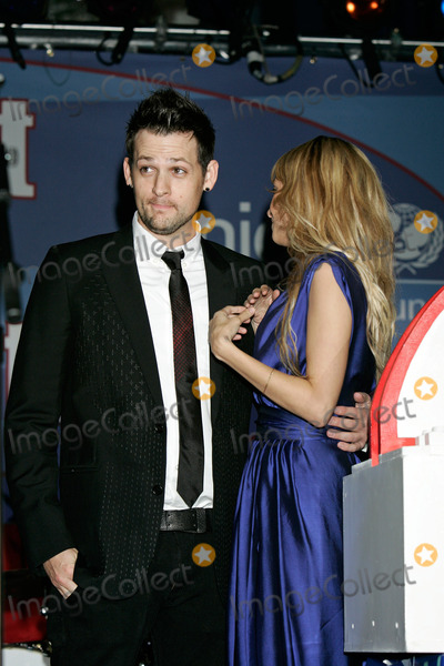 Joel Madden, Nicole Richie Photo - Nicole Richie & Joel Madden Lighting of the Unicef Snowflake (That Hangs Over the Intersection of Rodeo Drive and Wilshire Blvd.) Beverly Hills, CA November 22, 2008 Photo by Roger Harvey-Globe Photos