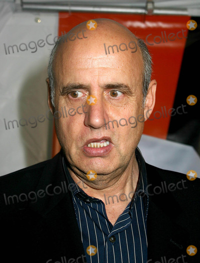 Jeffrey Tambor Photo - 2004-2005 Fox Upfront Presentation. the Boathouse, Central Park, New York City. 05/20/2004 Photo: Mitchell Levy/ Rangefinders/ Globe Photos Inc. 2004 Jeffrey Tambor