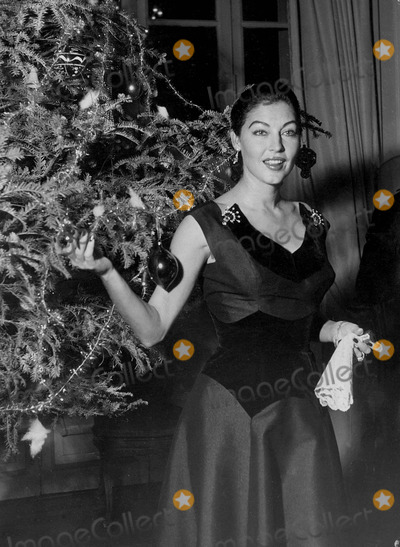 Ava Gardner Photo - Ava Gardner in Her House For Christmas at Rome Supplied by Globe Photos, Inc.