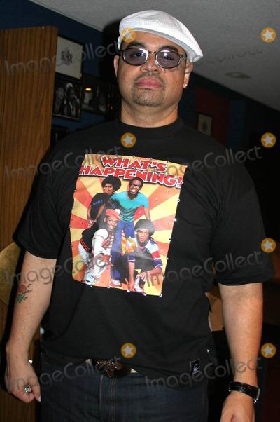 "Andre Harrell, Heavy D, Heavy D., Jay-Z, Jay Z Photo - ""Medal of Honor Rag"" Vip Reception For Heavy D Hosted by Jay Z & Andre Harrell Egyptian Arena Theatre, Hollywood, CA 06-27-2005 Photo: Clinton.h.wallace/ipol/Globe Photos Inc Heavy D"