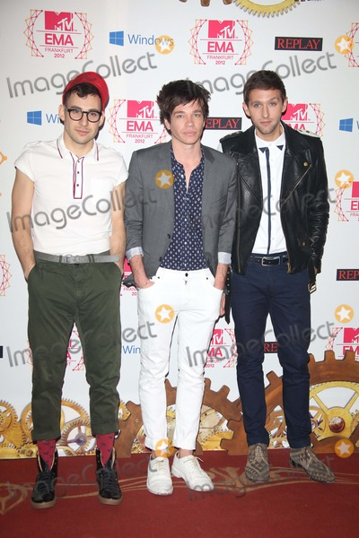 "Jack Antonoff, Andrew Dost, Nate Ruess Photo - Musicians Jack Antonoff (l-r), Nate Ruess and Andrew Dost of ""Fun"" Arrive For the Mtv Europe Music Awards (Ema) at Festhalle in Frankfurt, Germany, on 11 November 2012. the Music Tv Channel's Award Ceremony Is in Its 19th Year and Recognizes Talent on the European Music Scene. Photo: Alec Michael"
