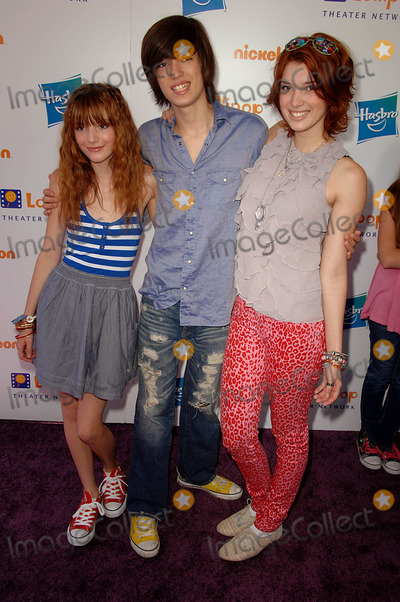 "Bella Thorne Photo - Bella Thorne, Brother, Sister attends the Lollipop Theater Networks ""Game Day"" Held at the Nickelodeon Animation Studio in Burbank,ca. 05-02-10 Photo by: D. Long- Globe Photos Inc. 2010"