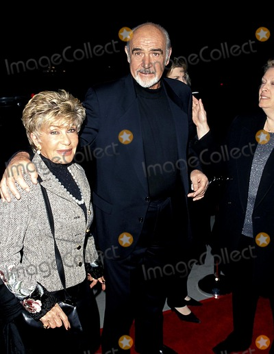 Photos And Pictures Sd1201 Finding Forrester Premiere At Academy Theatre In La Sean Connery And Wife Micheline Photo By Fitzroy Barrett Globe Photos Inc
