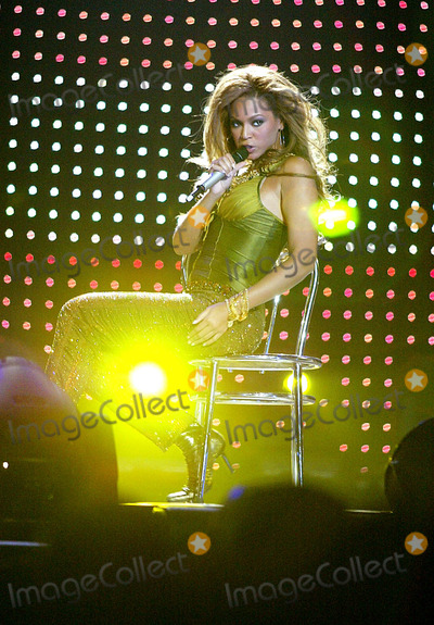 Beyonce, Beyonce Knowles, Destiny's Child Photo - Destiny's Child in Concert at Madison Square Garden in New York City 7-29-2005 Photo By:Globe Photos, Inc 2005 Beyonce Knowles