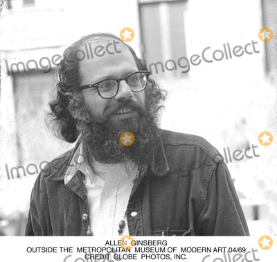 Allen Ginsberg Photo - Allen Ginsberg Outside the Metropolitan Museum of Modern Art 04/69 Credit: Globe Photos, Inc.