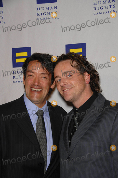 John Duran, John Morris Photo - John Duran and Mark Morris During the Human Rights Campaign's Hero Award and Gala, Held at the Hyatt Century Plaza Hotel, on March 14, 2009, in Los Angeles. Photo by Michael Germana-Globe Photos, Inc.