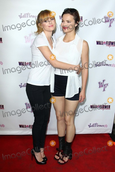 """Bella Thorne, Gillian Jacobs, Kaili Thorne, Wallflowers, Gillian Jacob, Gillians Jacobs Photo - Bella Thorne; Kaili Thorne """"Girls Night Out"""" with Bella Thorne and Wallflower Jeans Held at the California Market Center, October 7, 2013 Los Angeles,california.usa .Photo: Tleopold/Globephotos"""