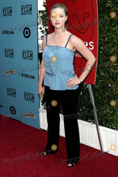 Amanda Seyfried Photo - Amanda Seyfried - Nine Lives - Premiere - Academy Theater, Beverly Hills, CA - 06-21-2005 - Photo by Nina Prommer/Globe Photos Inc2005 -