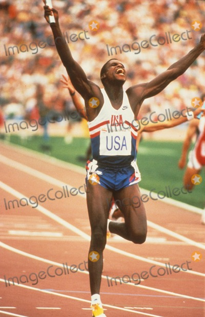 Carl Lewis Photo - Carl Lewis at 1992 Olympics K4298cm Photo by Chuck Muhlstock-Globe Photos, Inc.