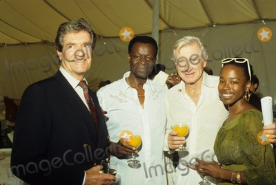 Brock Peters, Hugh O'Brian, Lloyd Bridges Photo - Lloyd Bridges Hugh O'brian , Brock Peters and Lisa Peters F8476 Photo by Bob V. Noble-Globe Photos, Inc.