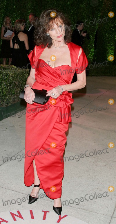 Jacqueline Bisset Photo - Vanity Fair Viewing and Oscar Party at Mortons in Los Angeles, CA 2-27-2005 Photo By:john Barrett-Globe Photos, Inc 2005 Jacqueline Bisset