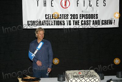 Chris Carter Photo - The X-files 200th Episode Celebration at Fox Studio Stage 5 in Los Angeles, CA Chris Carter Photo by Fitzroy Barrett / Globe Photos Inc. 4-5-2002 K24619fb (D)