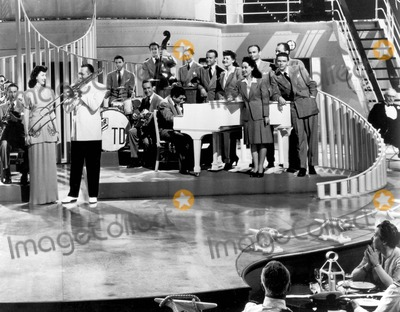 "Frank Sinatra Photo - Frank Sinatra in ""Ship Ahoy"" Supplied by Ipol-Globe Photos, Inc."