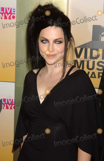 Amy Lee Photo - Mtv's Video Music Awards-arrivals Held at Radio City Music Hall, New York City 08-31-2006 Photo: Ken Babolcsay-ipol-Globe Photos Inc. 2006 Amy Lee