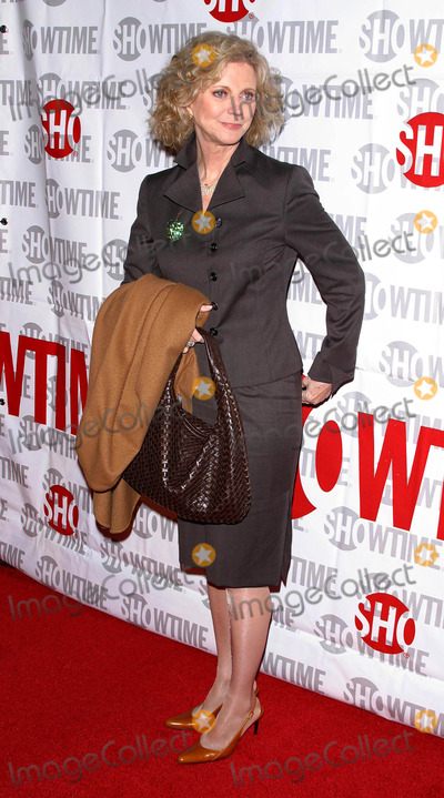 """Blythe Danner, BLYTH DANNER Photo - """"Huff"""" Premiere of a New Showtime Original Series at Crest Theatre, Westwood, California 10/25/04 Photo by Milan Ryba/Globe Photos Inc. 2004 Blythe Danner"""