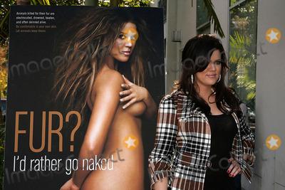 Khloe kardashian id rather go nude — pic 8