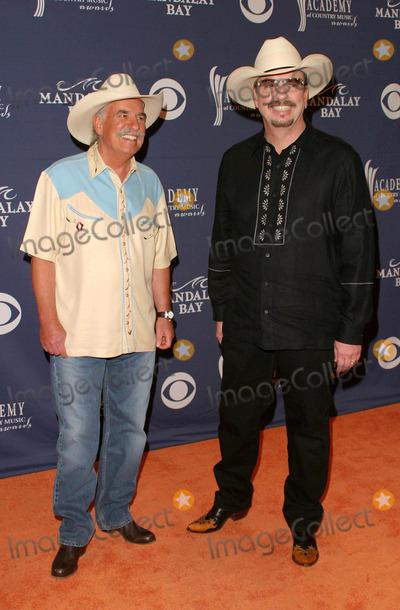 Bellamy Brothers Photo - Bellamy Brothers - 39th Annual Academy of Country Music Awards - Mandalay Bay Resort & Casino, Las Vegas, NV - 05/26/2004 - Photo by Nina Prommer/Globe Photos Inc2004