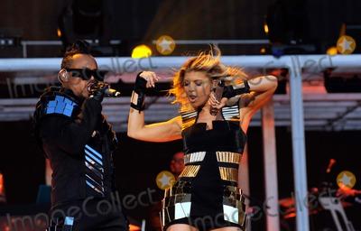 Black Eyed Peas, Black-Eyed Peas, apl.de.ap, Fergie Photo - apl.de.ap and Fergie Black Eyed Peas Perform at Stade De France Stade de France, Paris, France 06-25-2011