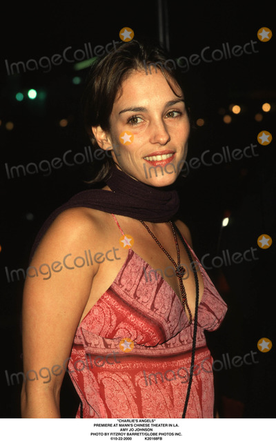 """Amy Jo Johnson Photo - """"charlie's Angels"""" Premiere at Mann's Chinese Theater in LA. Amy Jo Johnson Photo by Fitzroy Barrett/Globe Photos Inc. 10-22-2000"""
