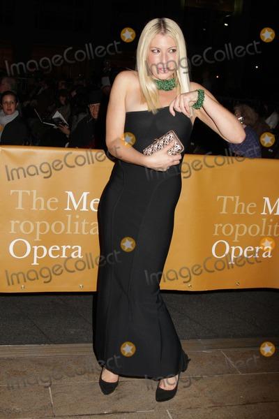 """Ari Graynor Photo - Metropolitan Opera Season Opens with Donizetti's """"l""""elisir D'amore"""" the Metropolitan Opera House, NYC September 24, 2012 Photos by Sonia Moskowitz, Globe Photos Inc 2012 Ari Graynor"""