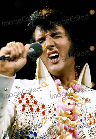 Elvis Presley Photo - Book #1713 Elvis Presley Photo By:nbc/Globe Photos, Inc Tvguide