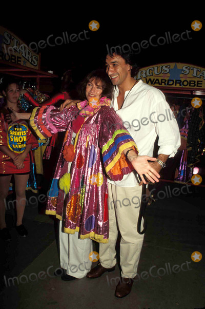 Jacqueline Bisset, Jackie Bisset Photo - -7-1997 Barnum and Bailey Circus ( Jacqueline ) Jackie Bisset and Emir Boytepe Photo By:erma-michelson-Globe Photos, Inc