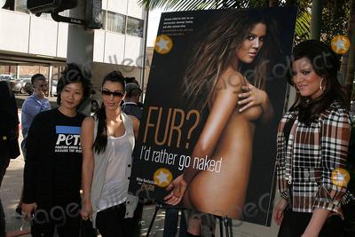 khloe-kardashian-id-rather-go-nude-amateur-virgin-topless