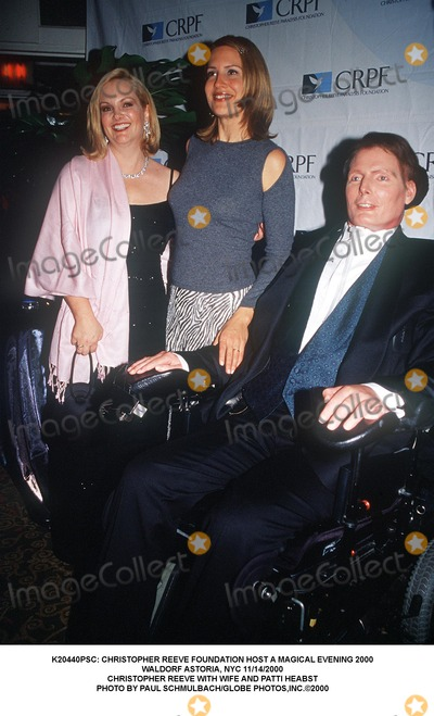 Christopher Reeve, Patty Hearst Photo - : Christopher Reeve Foundation Host a Magical Evening 2000 Waldorf Astoria, NYC 11/14/2000 Christopher Reeve with Wife and Patti Heabst Photo by Paul Schmulbach/Globe Photos,inc.
