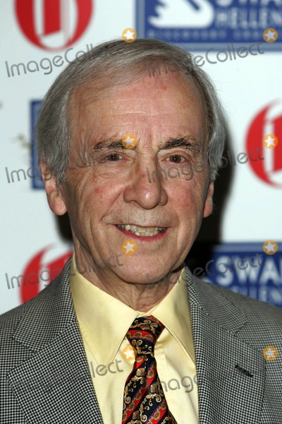 Andrew Sachs Photo - Andrew Sachs Actor Oldie of the Year Awards 2009 at Simpson's in the Strand in London 02-24-2009 Photo by Neil Tingle-allstar-Globe Photos, Inc.