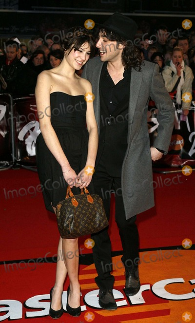 Alex Zane, Alexa Chung, Zane Photo - 001873 the Brit Awards 2007-arrivals-earls Court, London, United Kingdom 02-14-2007 Photo by Mark Chilton-richfoto-Globe Photos 2007 Alexa Chung and Alex Zane