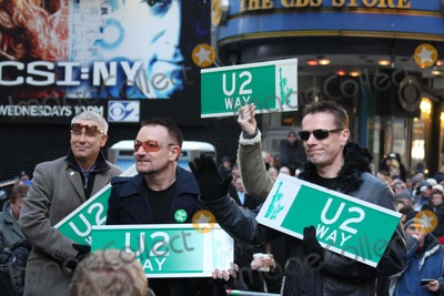 Photos and Pictures - -03-09 '' U2
