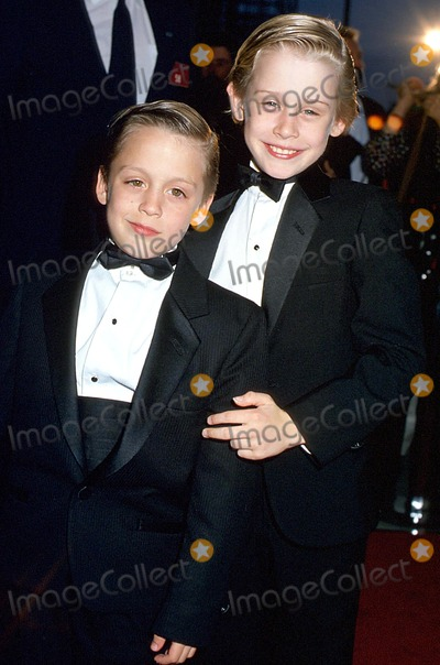photos and pictures macaulay culkin and kieran brother