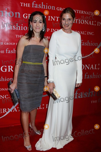 """Aerin Lauder, Jane Lauder Photo - The Fashion Group International Presents the 27th Annual Night of Stars """"the Globalists"""" Cipriani Wall Street, NYC 10-28-2010 Photos by Sonia Moskowitz, Globe Photos Inc 2010 Jane Lauder and Aerin Lauder"""