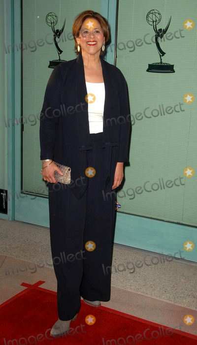 """Anna  DEAVERE Smith, Anna Deavere Smith Photo - Anna Deavere Smith attends the Academy of Television Arts & Sciences Presents an Evening with """"Nurse Jackie"""" Held at the Leonard H. Goldenson Theatre in North Hollywood, CA. 03-15-2010 Photo by: D. Long- Globe Photos Inc. 2010"""