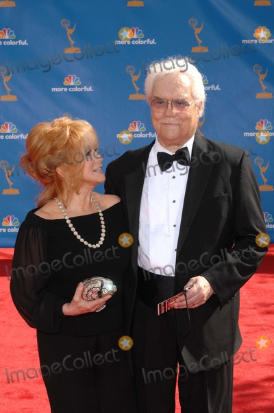 Ann-Margret, Roger Smith Photo - Ann-margret and Roger Smith During the 62nd Annual Primetime Emmy Awards, Held at the Nokia Theatre, on August 29, 2010, in Los Angeles. Photo: Michael Germana - Globe Photos, Inc. 2010