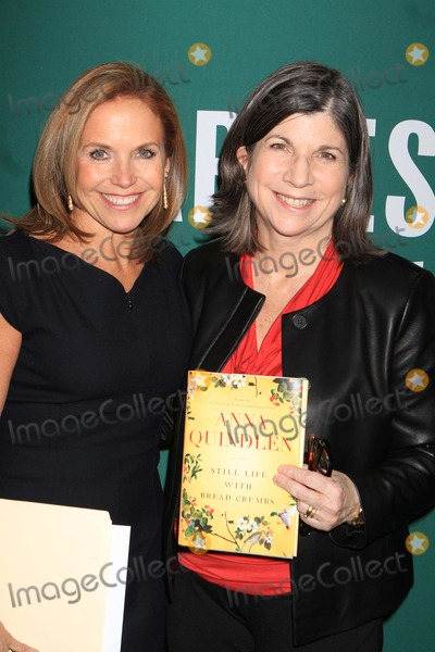Anna Quindlen, Katie Couric Photo - Exclusive Anna Quindlen with Katie Couric Promote Her Latest Book ''Still Life with Bread Crumbs'' at Barnes Noble, Union Square 1-26-2014 John Barrett/Globe Photos