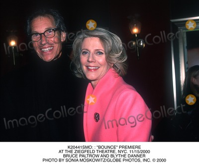 "Bruce Paltrow, Blythe Danner, BLYTH DANNER Photo - : : ""Bounce"" Premiere at the Ziegfeld Theatre, NYC. 11/15/2000 Bruce Paltrow and Blythe Danner Photo by Sonia Moskowitz/Globe Photos, Inc."